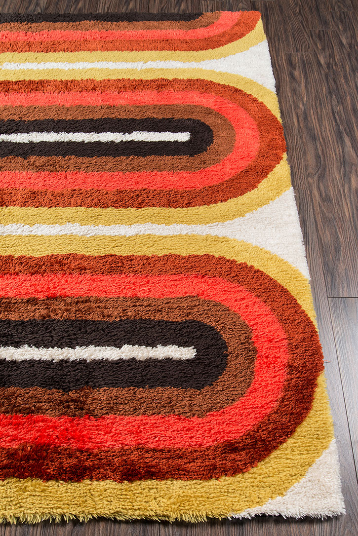 Novogratz By Momeni Retro Ret 2 Retro Wave Red Area Rug